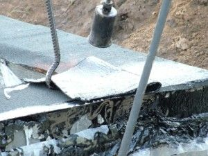 gidroizol fund 4 300x225 - Делаем гидроизоляцию фундаментов каркасного дома 121 м2