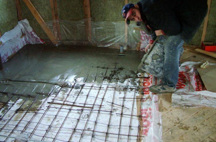 Делаем стяжку в ванной в каркасном доме 121 м2