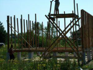 Установка вертикальных стоек
