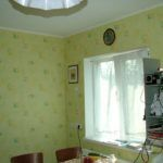 Окно на кухне в каркасном доме
