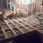 Засыпка сухого песка в перекрытие каркасного дома